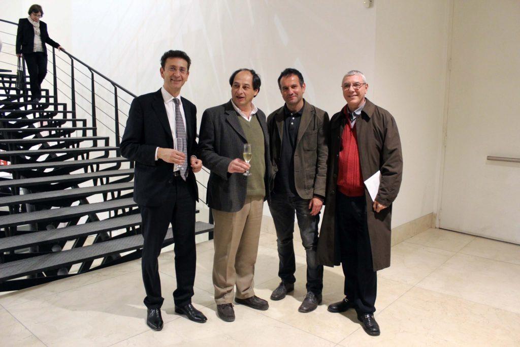Con il Console Italiano a Buenos Aires Giuseppe Scognamiglio, il direttore dei Musei di Buenos Aires Ramon Aparicio, il curatore Massimo Scaringella in occasione della mostra personale al Museo d'arte moderna MAMBA, Buenos Aires 2013