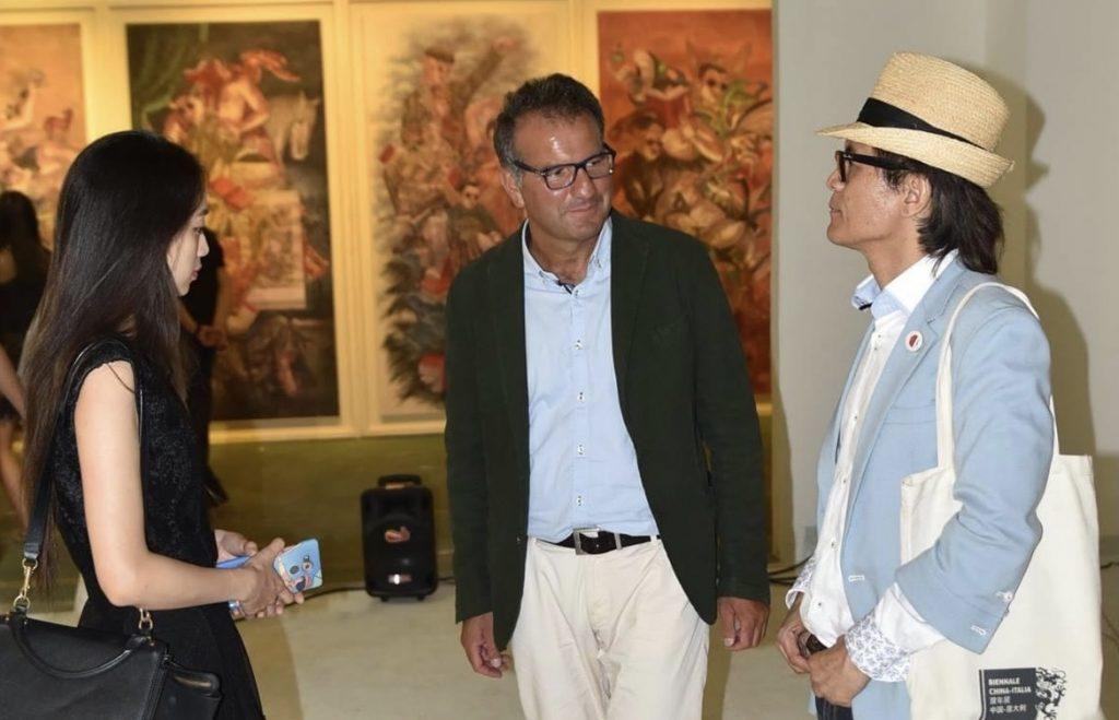 Con Jonny Wang, curatore della Biennale Italia-Cina, Art District 798, Pechino 2016